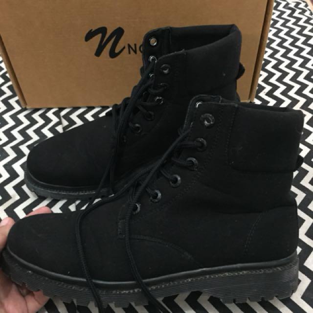 Boots nokha