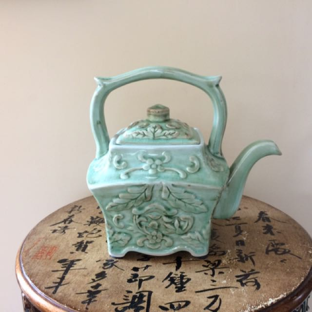 Chinese style teapot