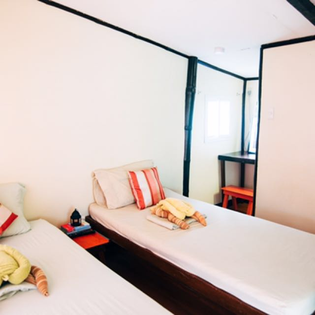 Cute Room in Palawan (Wifi|Breakfast|AC|Hot Shower)