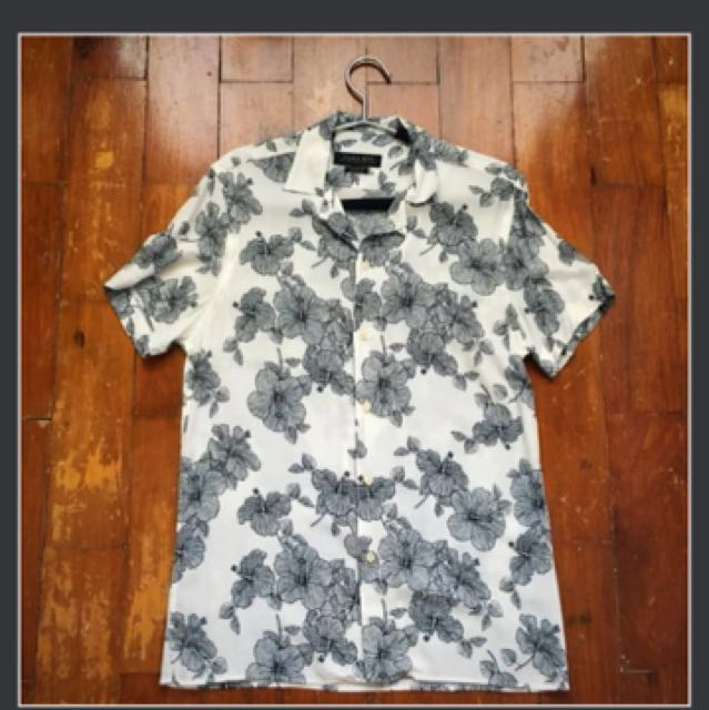 Floral Polo Size: S; wala ng tawad, pls