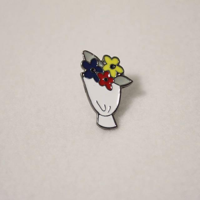 2fbf1f87135 Flower Bouquet Enamel Pin, Women's Fashion, Accessories on Carousell