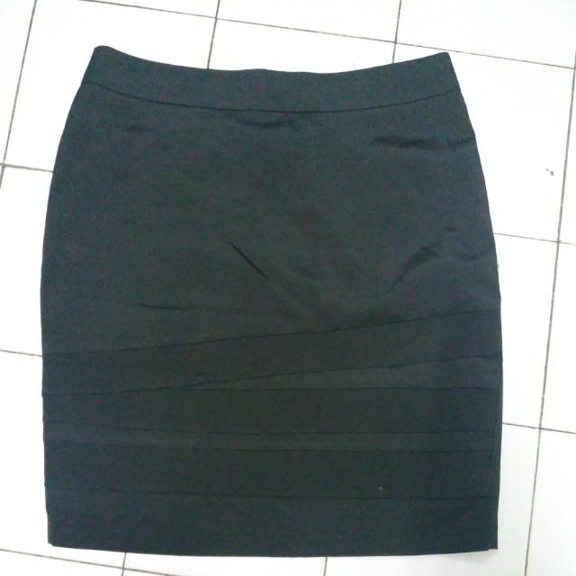 Formal Below Knee Skirt