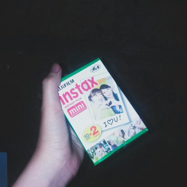 Instax Film 10 Pcs (Other half nung 10x2 ko)