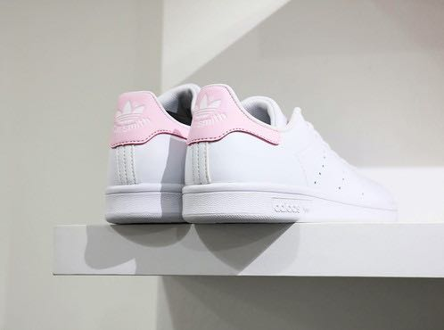buy popular 74b08 83b92 Instocks Adidas Stan Smith Baby Pink, Women's Fashion, Shoes ...