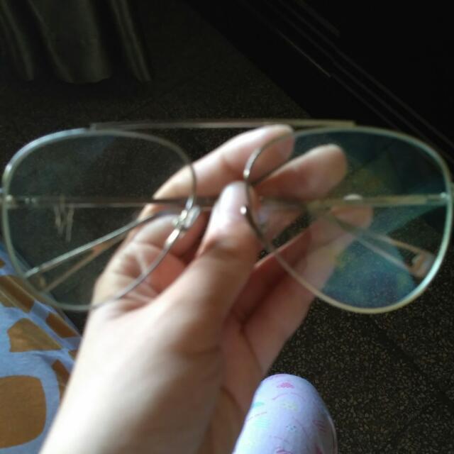 Kacamata Aesthetic