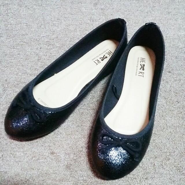 LTSN black flat shoes
