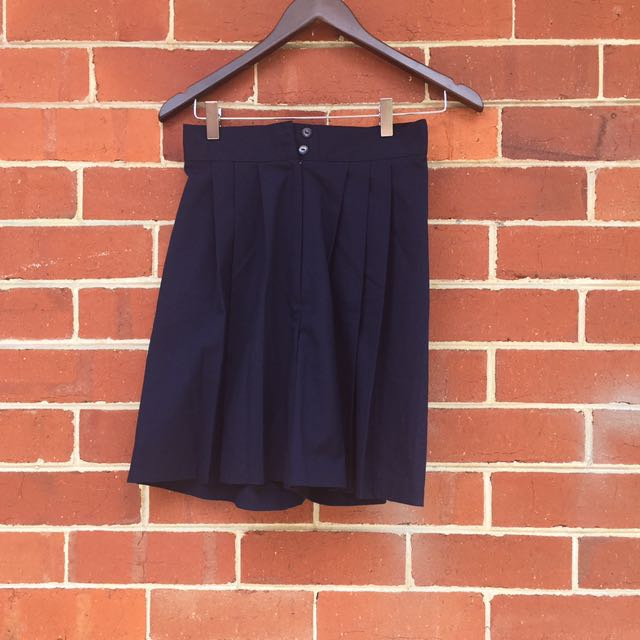 Navy vintage highwaisted shorts