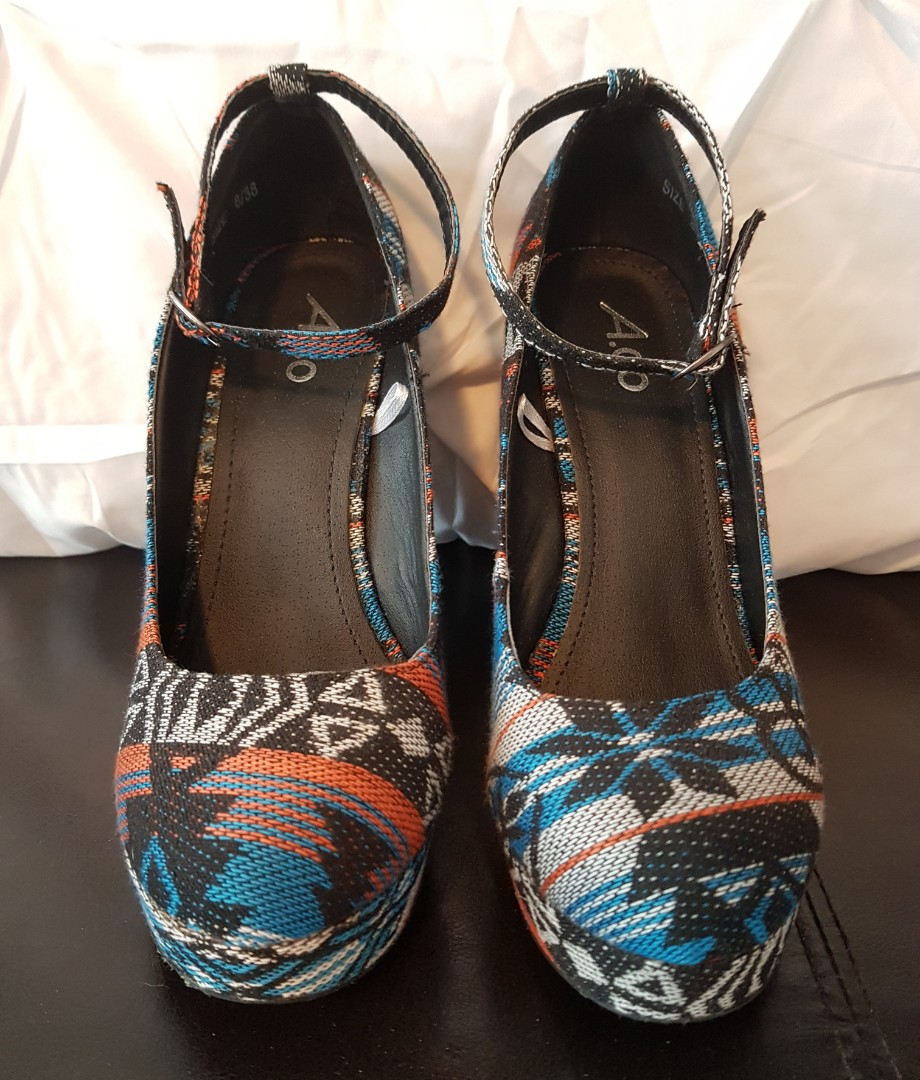 New Tribal Wedges