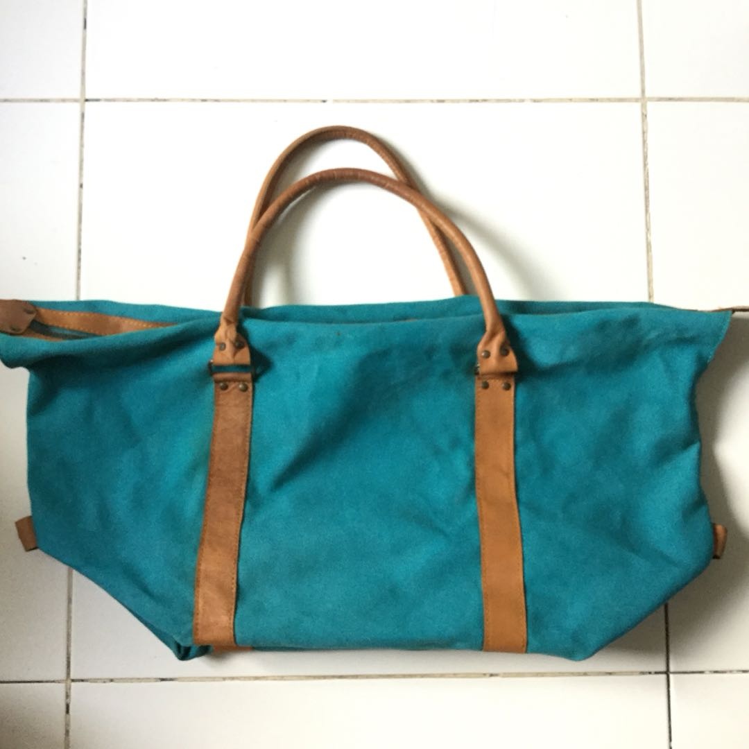 PLOVED: Turquoise Travel Bag