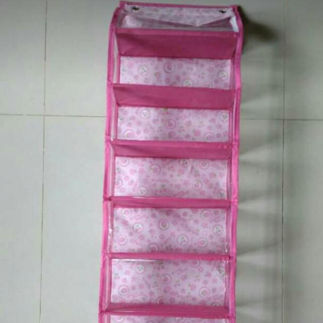 Rak tas gantung warna pink