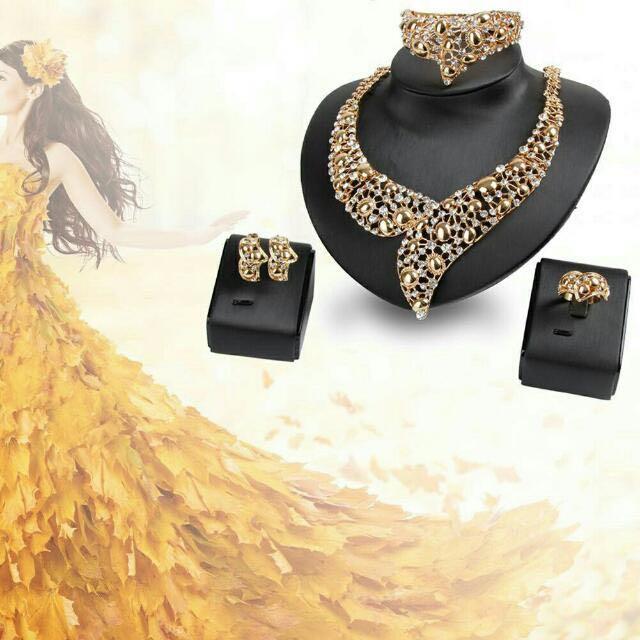 Rhinestone Studed Necklace Earrings Bracelet Ring Set Fashion Jewelry
