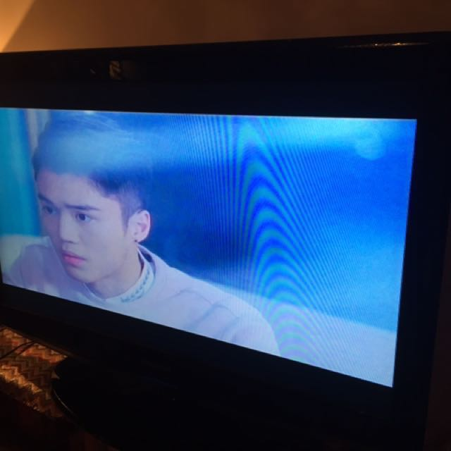 """Samsung 39"""" TV. (Need to find a new remote control to pair up.)"""