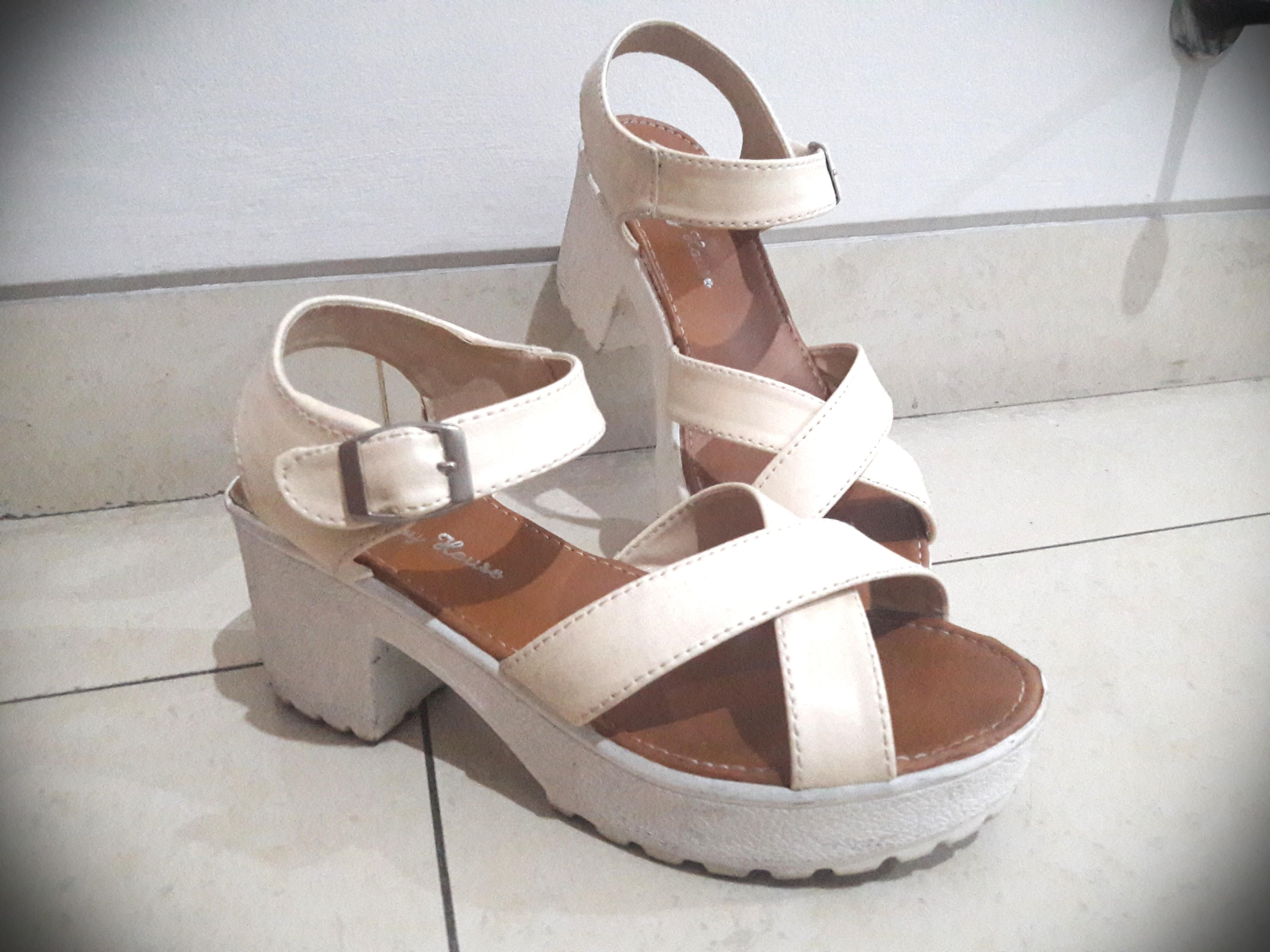 Sandal Heels Platform Putih Size 39 Wedges