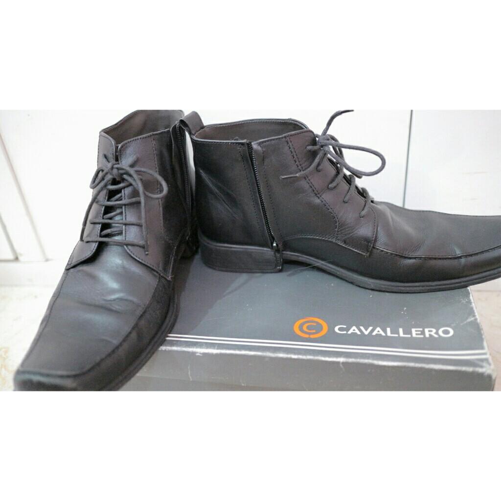 Sepatu semi boot with zipper CAVALLERO BLACK SIZE 40 41 9d8ddae439