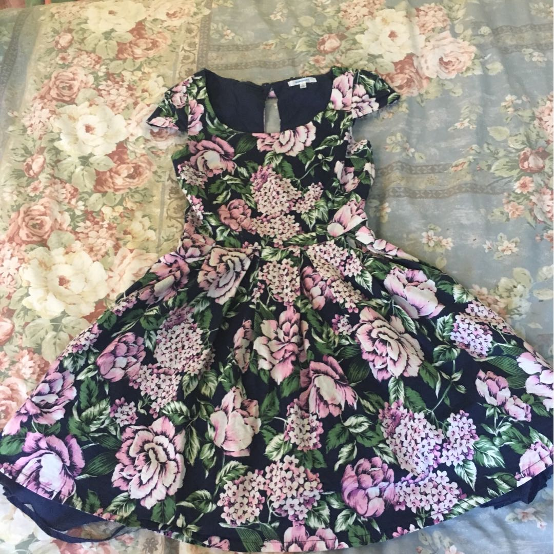 Size 8 valley girl dress