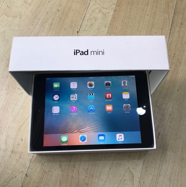 Space Grey Ipad Mini 16GB  Wifi Only  !