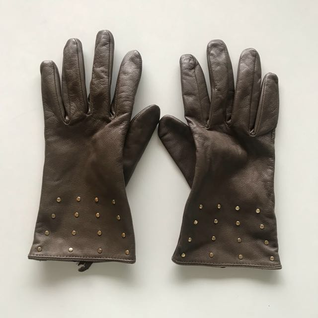 Taupe Leather studded gloves (size M)