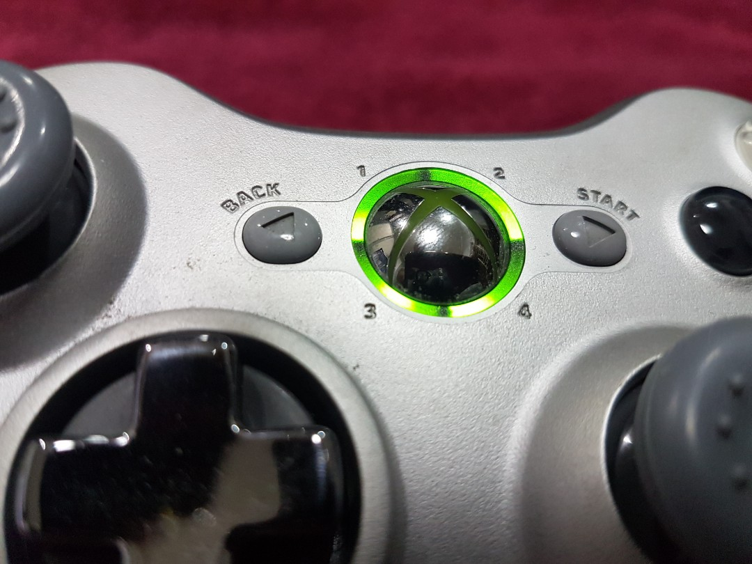 Xbox 360 Silver Controller, Video Gaming, Gaming Accessories on ...