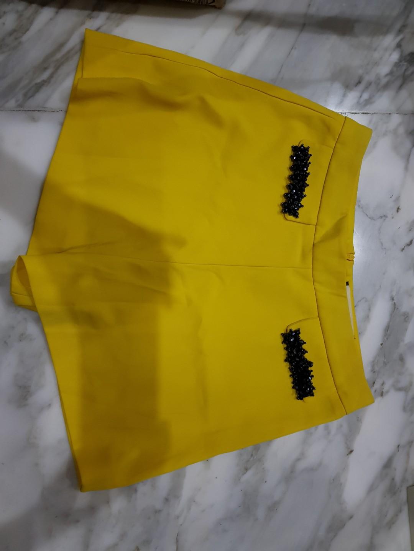 Buy 1 Get 1 Short Pants Zara