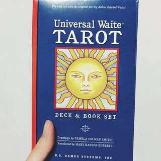 UNIVERSAL WAITE TAROT DECK + BOOK SET