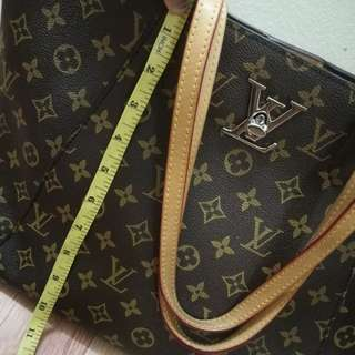 Lv neverfull limited 💯% Leather