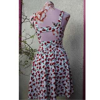 Sexy back Cherry dress~