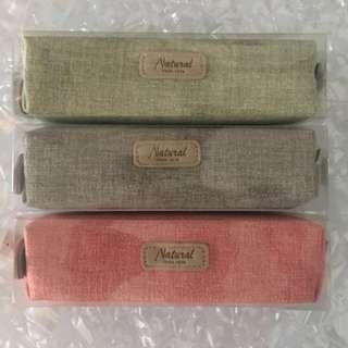 韓式簡約筆袋 化妝袋 化粧袋(灰、綠、紅三色)