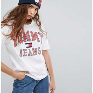 Tommy Jeans 90s tshirt
