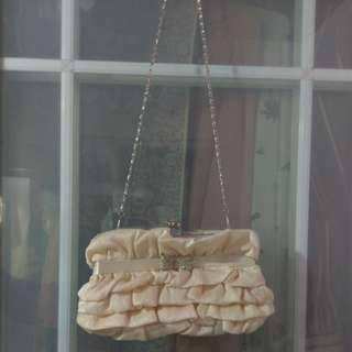 90%新 Grad din袋 晚宴袋 蝴蝶結袋 啪鈕袋 3-way clutch bag 珍珠粉紅白色