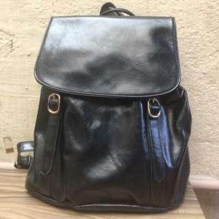 No brand black backpack
