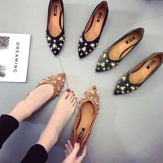 2018 new wild Korean tip British rivets social women's shoes single shoes flat shoes