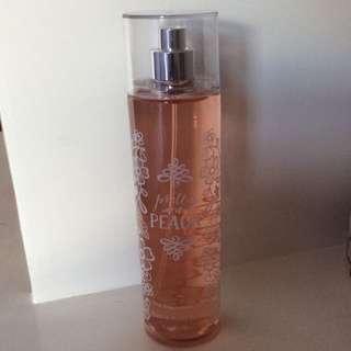 Bath & Bodyworks fine fragrance mist Pretty as a Peach