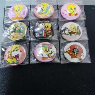 Looney Tunes Badges (Many designs )