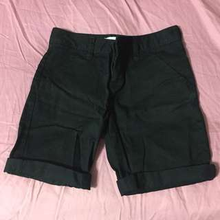 Old Navy Black Bermudas