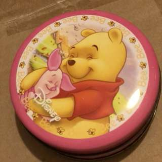 Winnie the Pooh small tin radius about 9cm