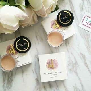 Mira Filzah Miracle Flawless Foundation