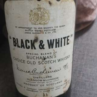 Rare 1960's Black & White whisky