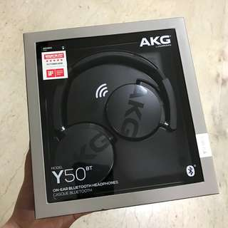AKG WIRELESS HEADPHONES BLACK