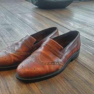 sepatu dr mocc brogues