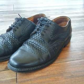sepatu brogues