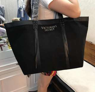 DEALS 💯Victoria's Secret Totebag