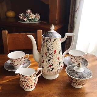英國製Royal Tuscan 全手繪骨瓷壺/糖罐/奶壺/杯組