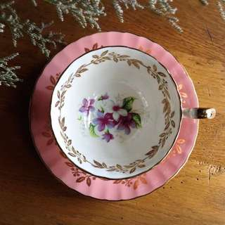 🚚 英國製Anysley華麗紫羅蘭描金花卉骨瓷杯組