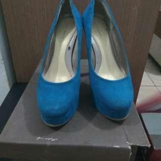 Sepatu Heat Wave