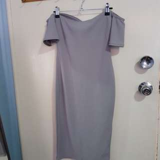 Grey off the shoulder ruffle sleeve midi dress sz 8