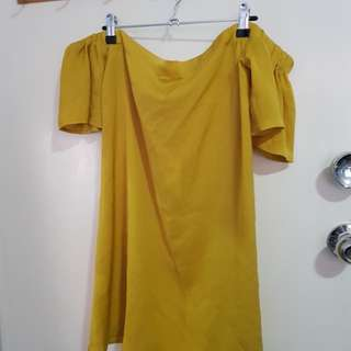 Chatreuse off the shoulder dress - sz 8-10