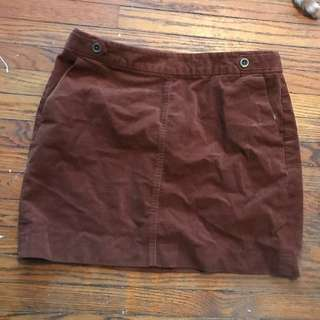 Corduroy brown skirt with pockets