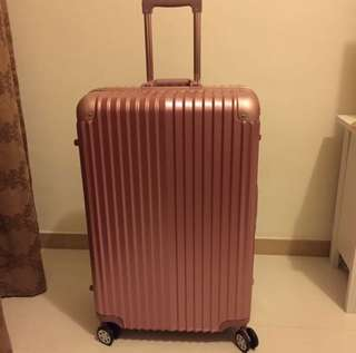 "Elle ""28"" Hard Cover Luggage"