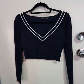 Navy v-neck cropped sweater sz 8
