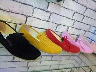 Sepatu wanita slip on proud loafers/sepatu proud sneaker wanita